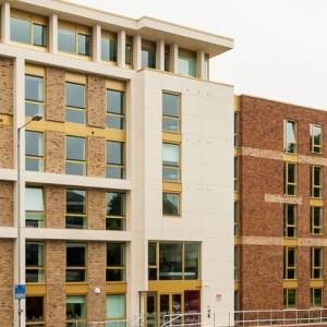01-fresh-student-living-kingston-davidson-house-01-entrance-photo-01-990×411.jpg