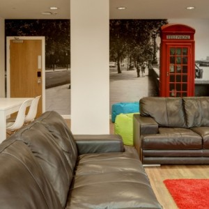 08-fresh-student-living-london-central-studios-ealing-02-social-space-photo-04-990×411.jpg