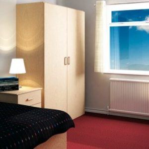 01_Fitz_bedroom-600×265