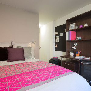 80_highbury-standard-room.jpg