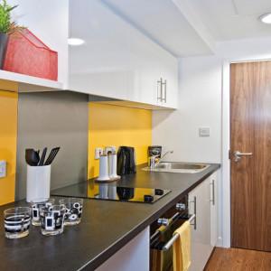 studios-kitchen2.jpg