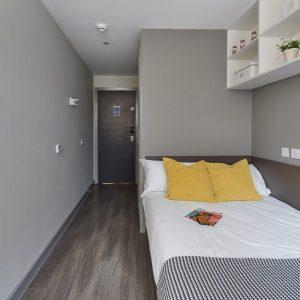 Saw-Mill-Huddersfield-Classic-Ensuite-Bedroom-Image-2.jpg