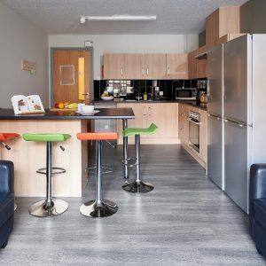 Snow-Island-Huddersfield-Classic-Ensuite-Shared-Kitchen-Image-2.jpg
